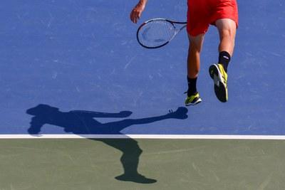 Entrenamiento servicio. Centro Top Tennis