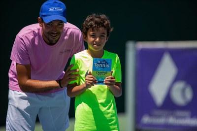 Jóvenes talentos de la Escuela de Tenis Top Tennis.