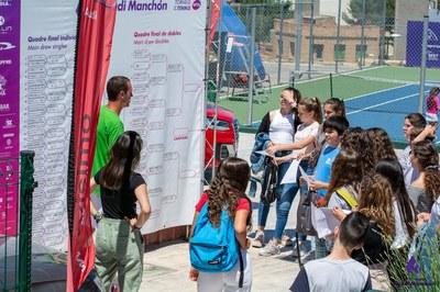 Los colegios de Igualada visitan el Torneo.